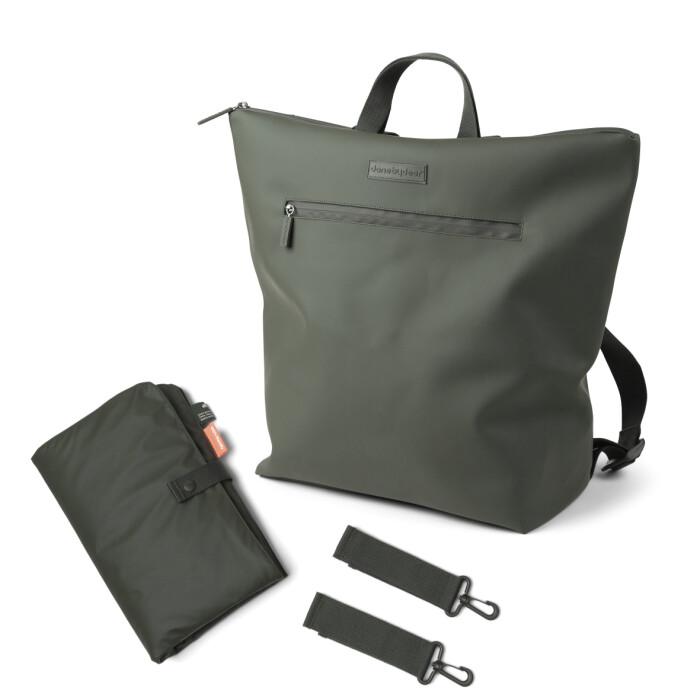 changing backpack skötryggsäck done by deer