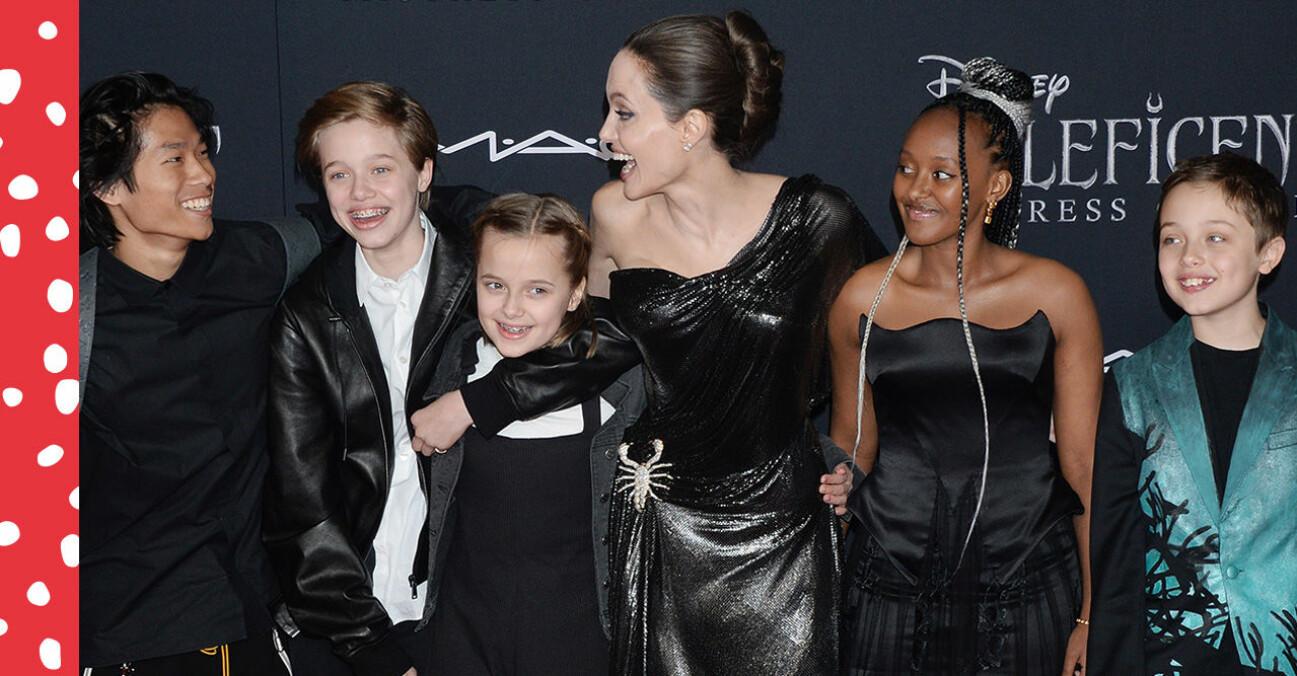 Angelina Jolie med fem av sina sex barn.