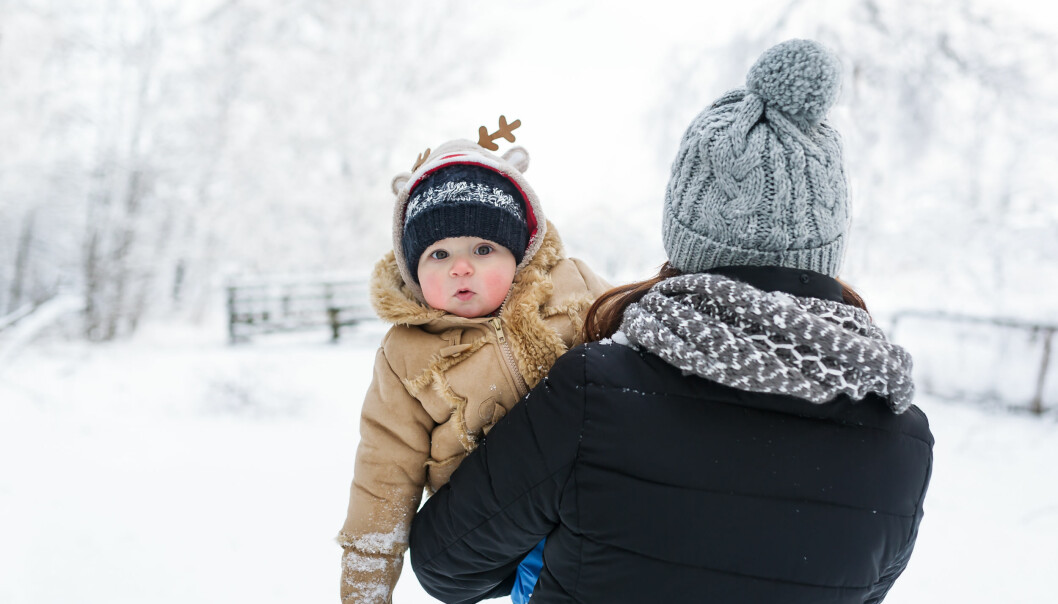 Bebis på vintern i minusgrader