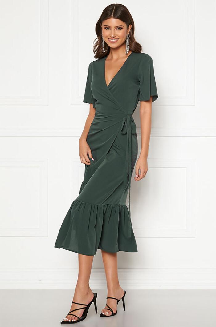 mörkgrön omlottklänning