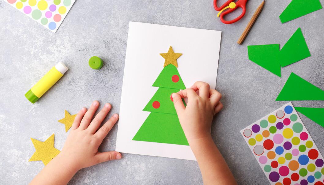 Julpyssel med barn julkort