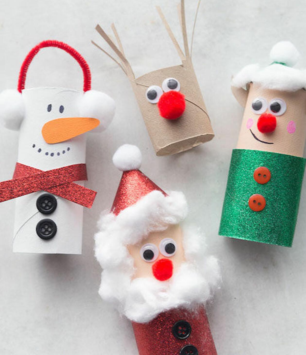Julpyssel tomtar av toapappersrullar