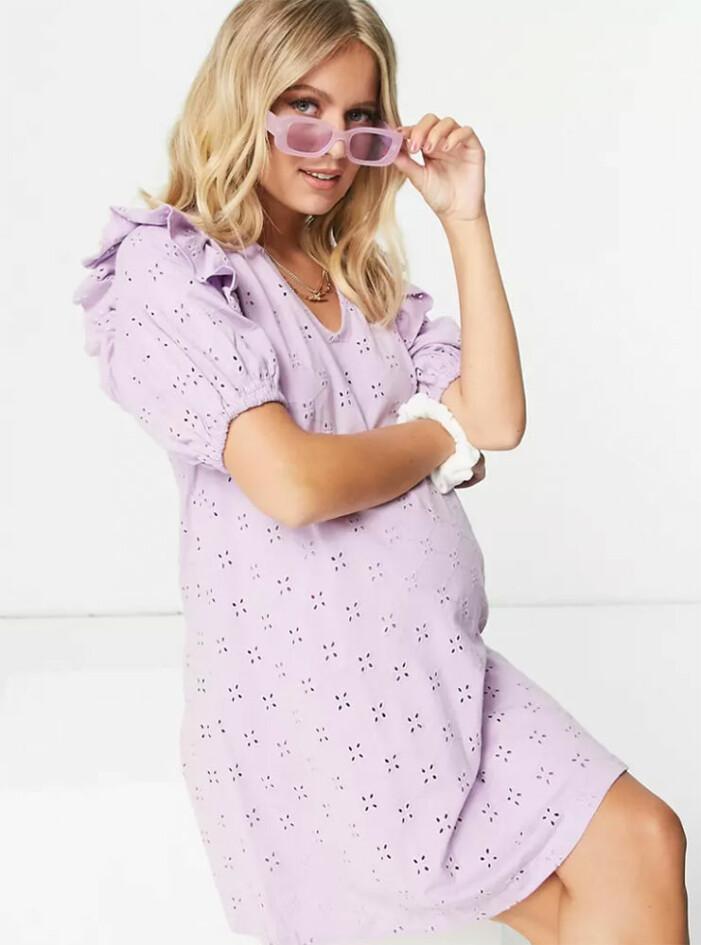 lila gravidklänning