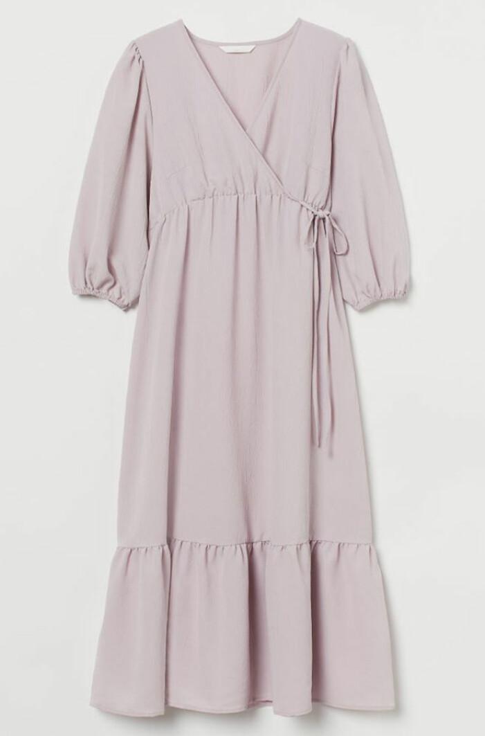 lila omlottklänning