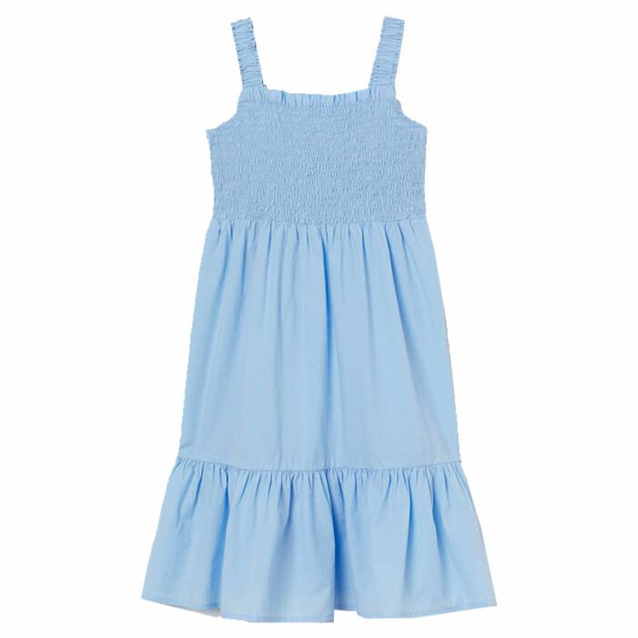 matchande ljusblå klänningar till mamma och barn sommaren 2021