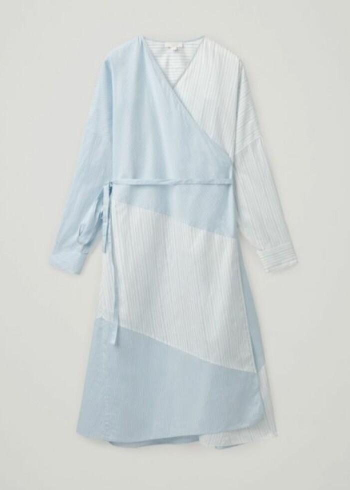 omlottklänning i bomull från Cos