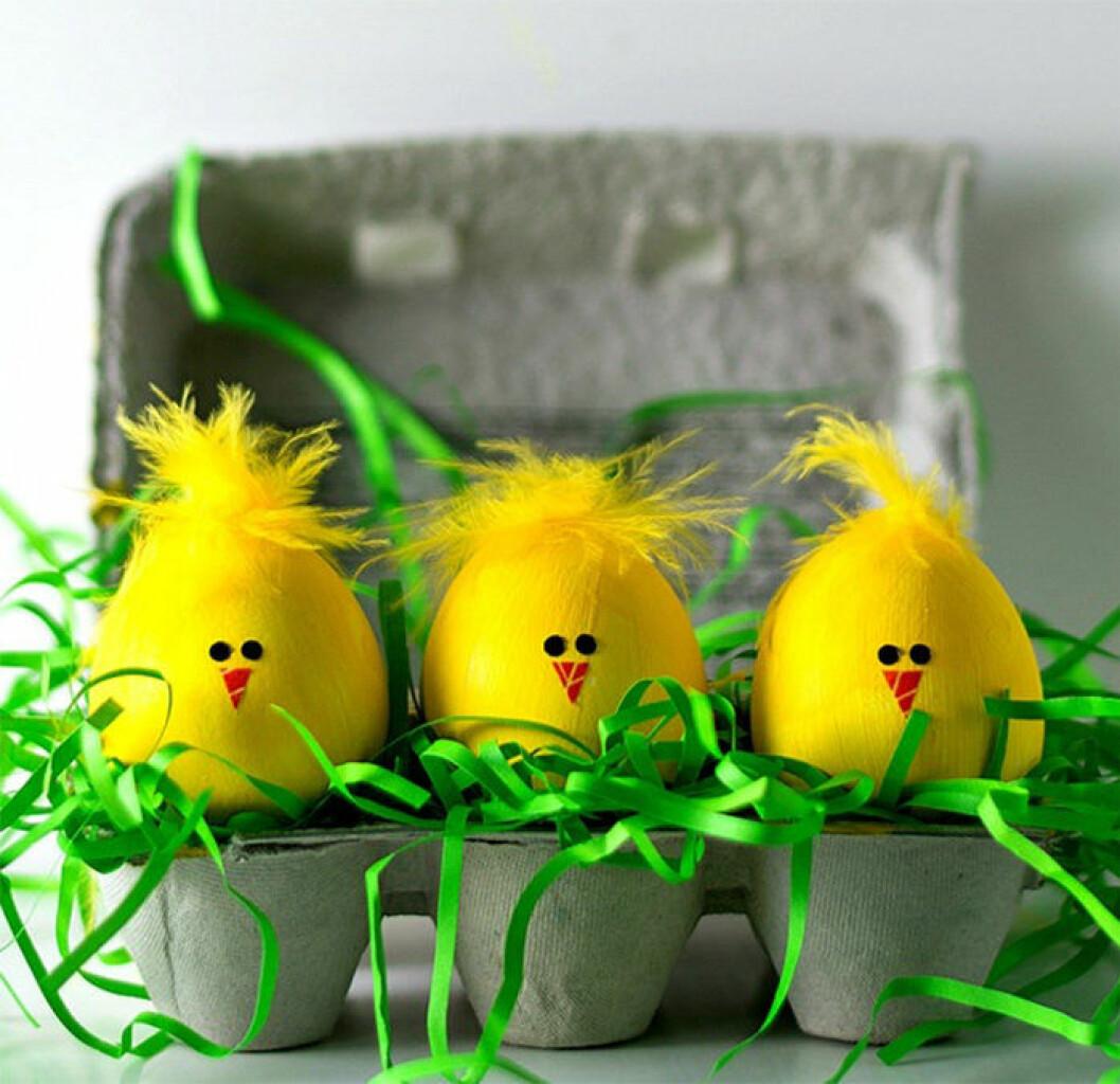 Påskägg som gula kycklingar