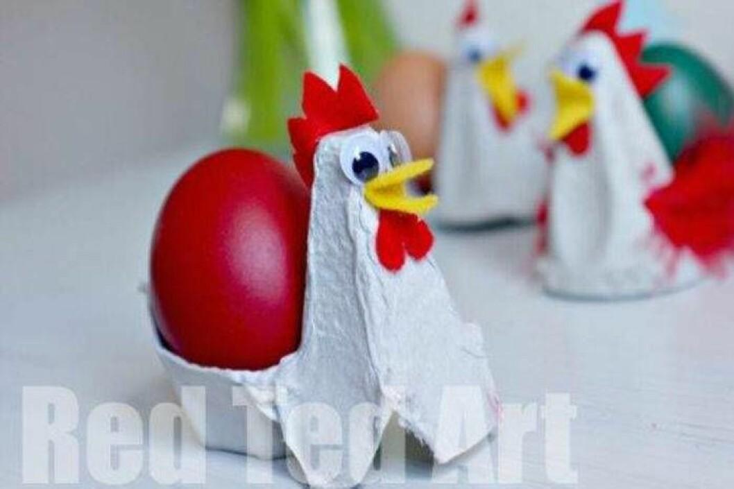 Påskpyssel med äggkartong – gör tuppar.