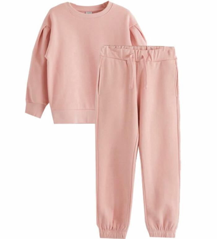 rosa mjukisset barn
