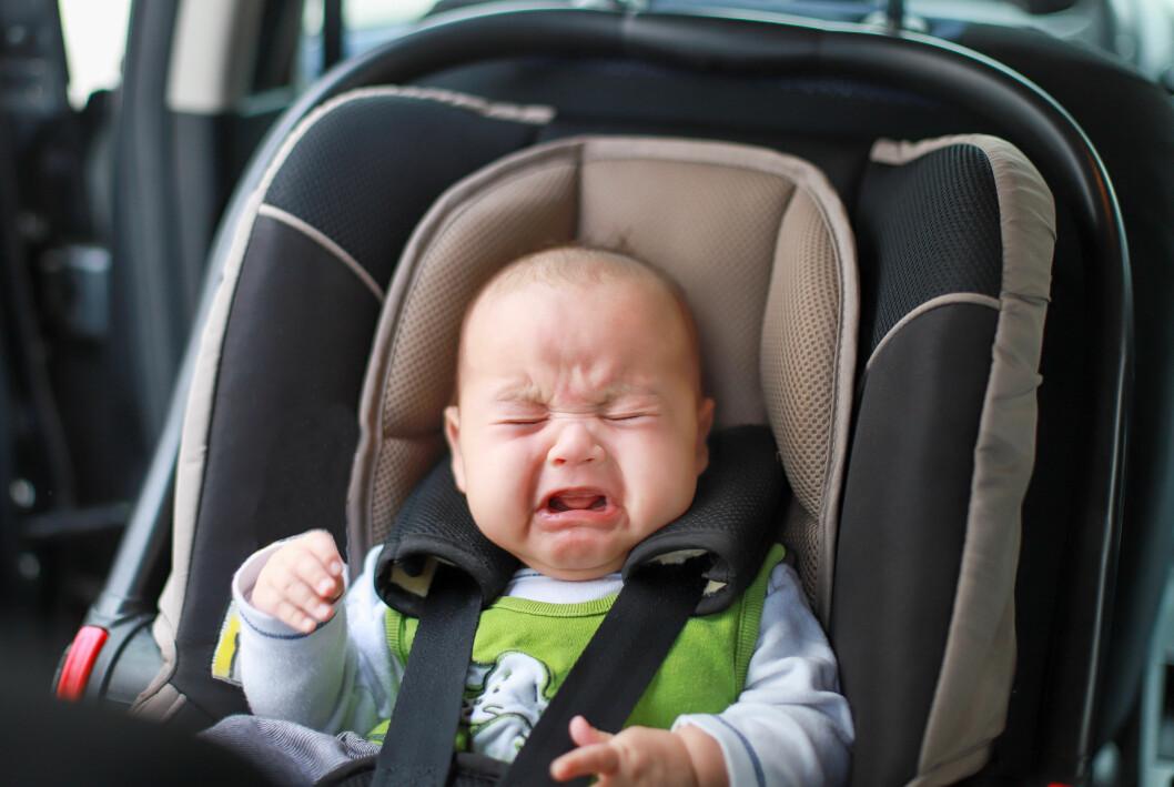 bebis som skriker i bilen