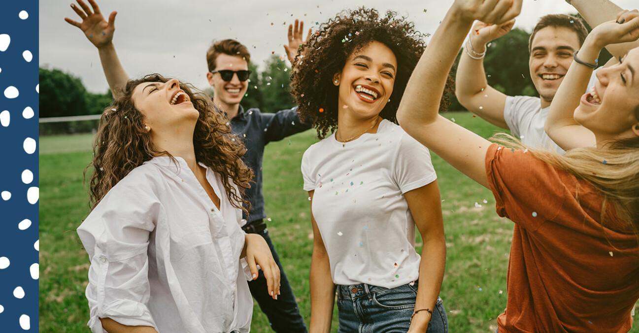 glada ungdomar