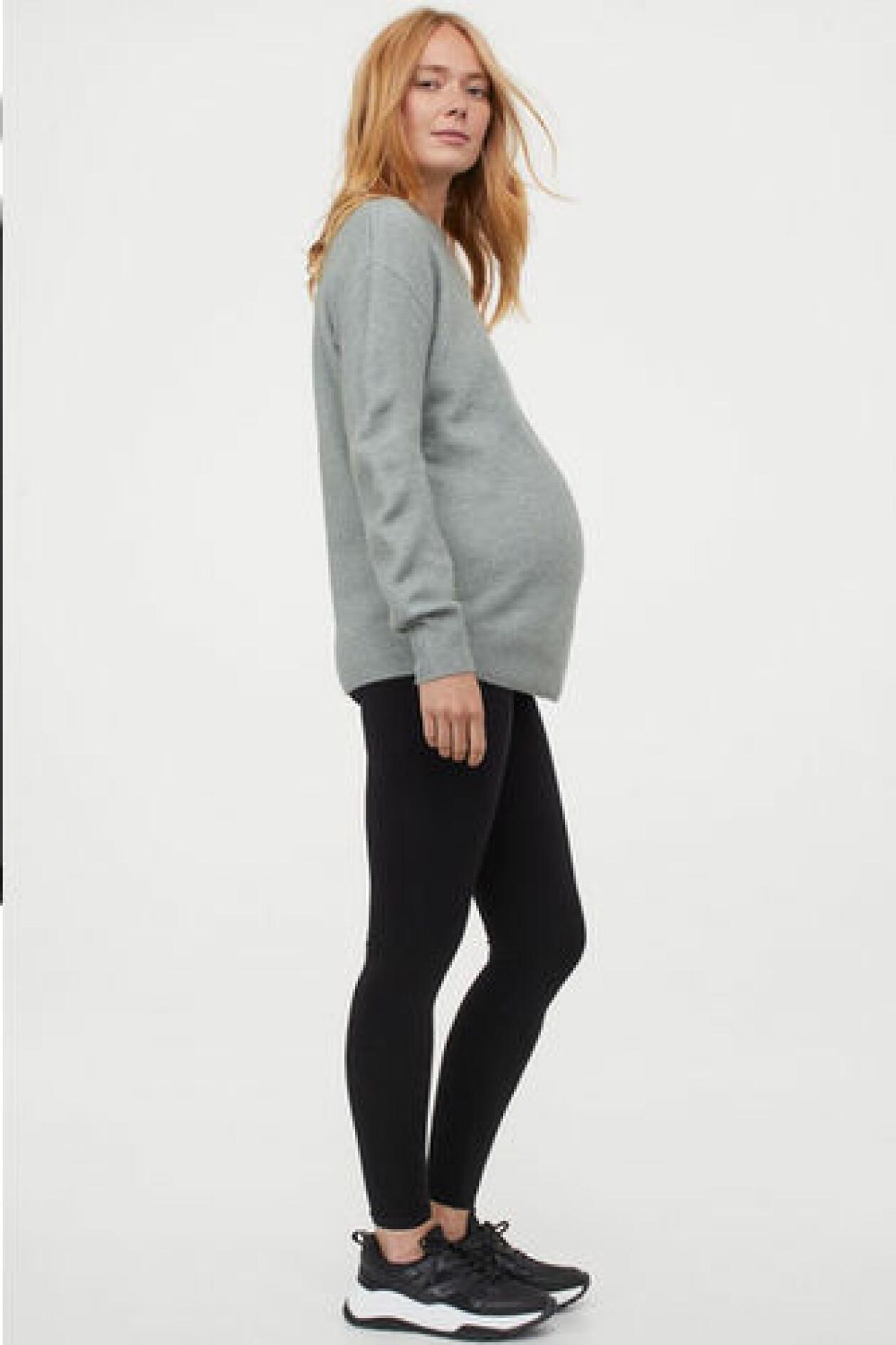 Svarta gravidleggings i seamless-modell från H&M.