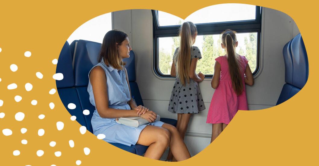 familj åker tåg