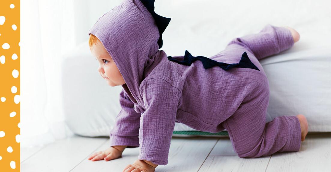 Bebis i dinosauriedress